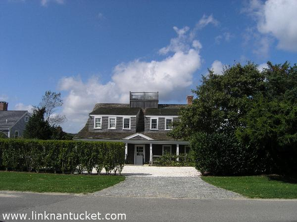 32 Monomoy Road photo
