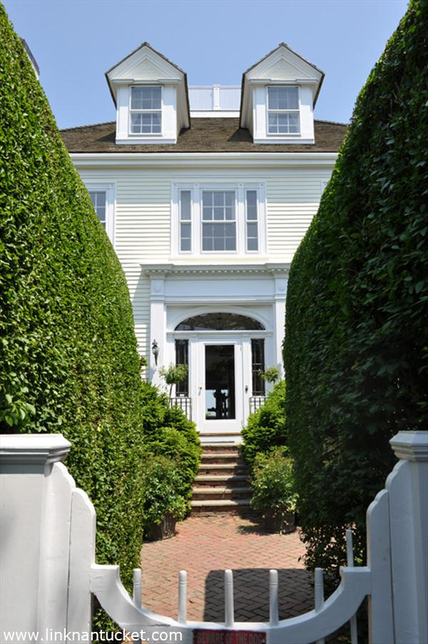 Nantucket real estate for sale 30 orange street town for Houses for sale on nantucket
