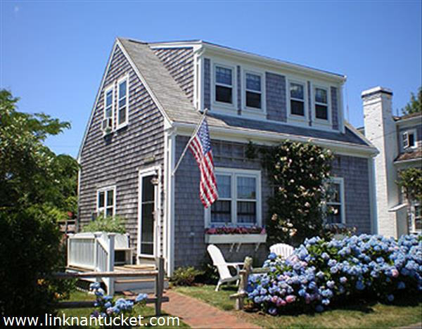 20 willard street nantucket brant point for sale for Homes for sale on nantucket island