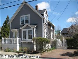 32 Pleasant Street :: Town