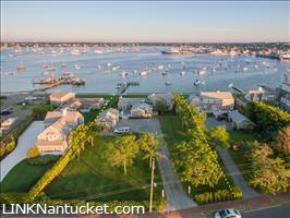 22 - 24 Easton Street :: Brant Point