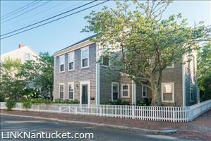 31 Pine Street :: Town