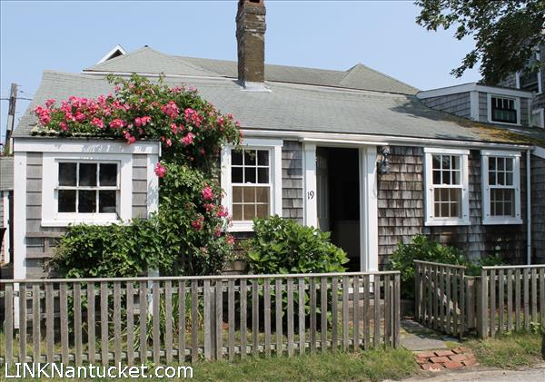 19 broadway nantucket sconset for sale for Nantucket property for sale