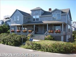 38 Hulbert Avenue :: Brant Point