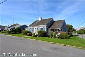 1 East Lincoln Avenue :: Brant Point