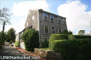 3 Mulberry Street :: Town