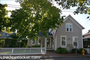 21 Pine Street :: Town