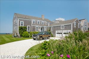 45 Hulbert Avenue  :: Brant Point