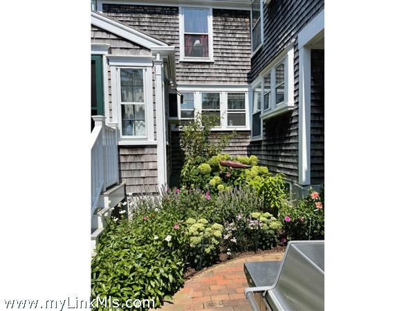 14 Hussey Street Picture # 8