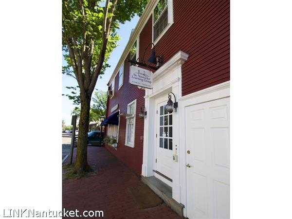 12 Main Street, Apt Unit 4