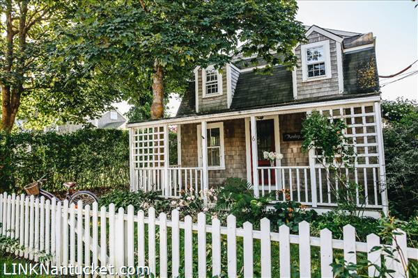 6 Magnolia Avenue, Nantucket, MA