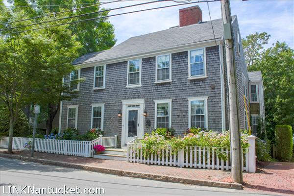 11 Pleasant Street, Nantucket, MA