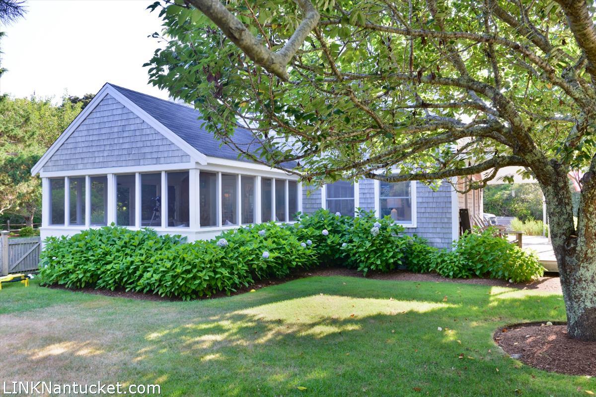 20 Field Avenue  Nantucket MA