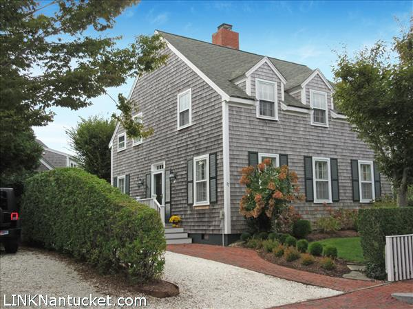 17 Netowa Lane, Nantucket, MA