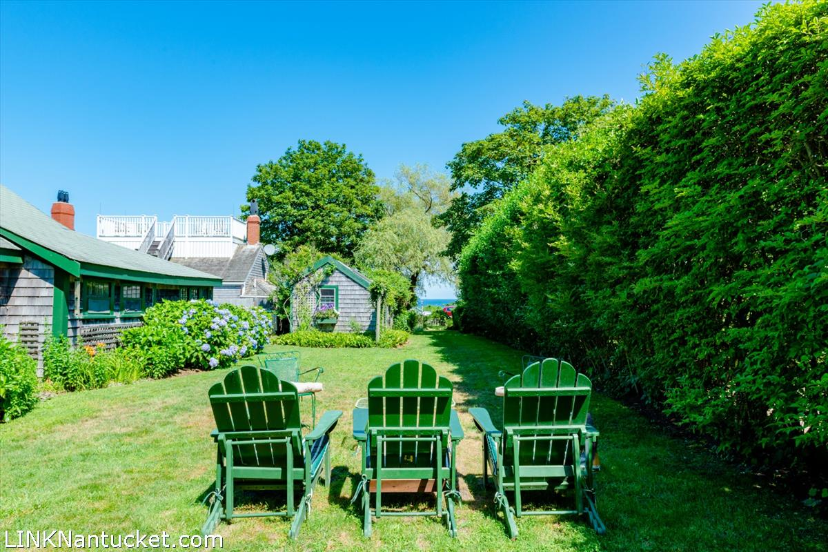 8 Grand Avenue Nantucket MA