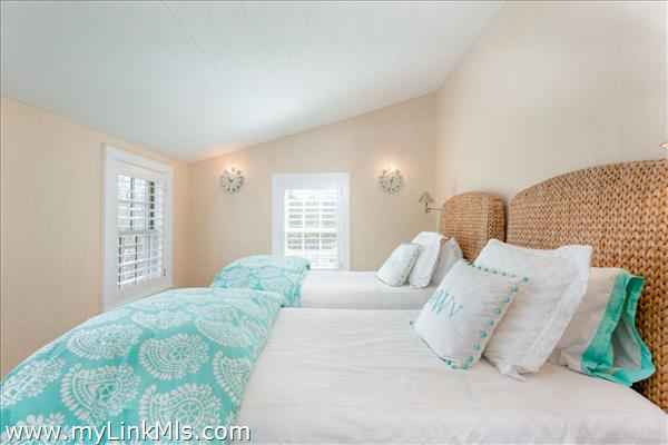 Bedroom One - Grass cloth wallcovering