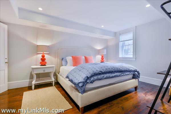 Garden Level En-Suite Bedroom 6
