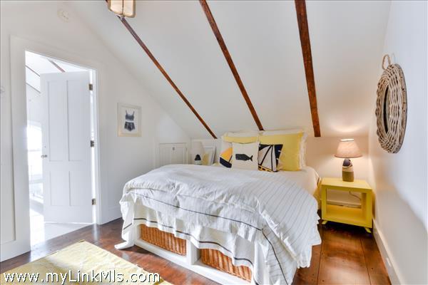 Third Floor En-suite Guest Bedroom 4