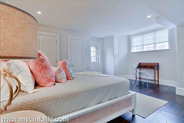 Garden Level En-Suite Bedroom 5