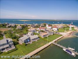 22 & 24 Easton Street Brant Point