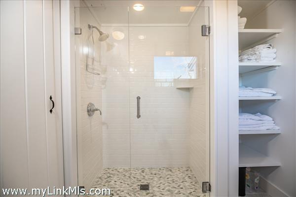 Large master bath with tiled shower