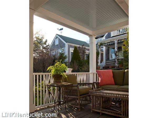 Twin Street Side Porch