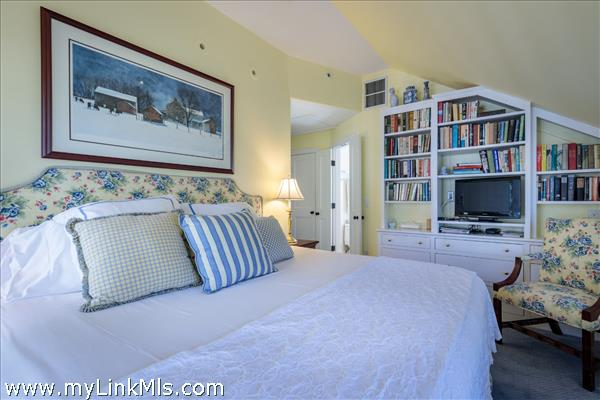 Guest House: Guest Bedroom with ensuite bath