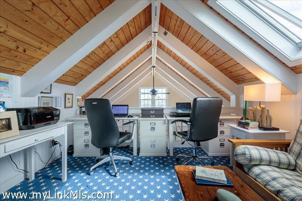 Loft /home office