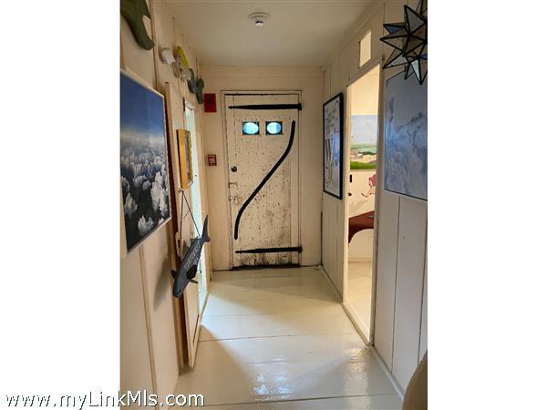Unit D 1st floor hallway