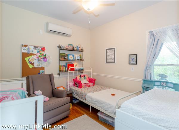 1 or 2 bedrooms in 2-bedroom cottage