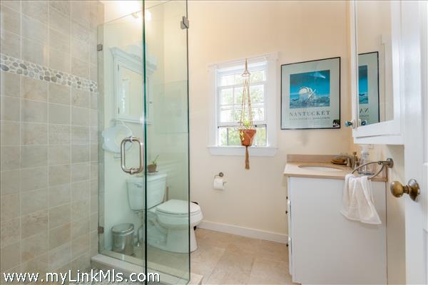 Updated full bathroom in 2-bedroom cottage