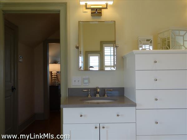 Upper MBR Suite