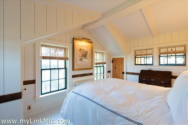 Master bedroom looking west