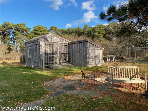 Garden shed & work shop.