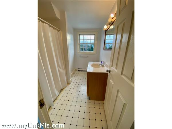 Left Unit - 2nd Floor Full Bath