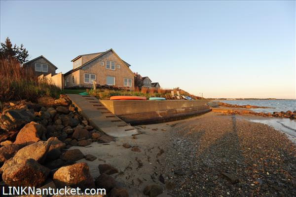 Grandfathered Seawall, ideal for sunbathing!
