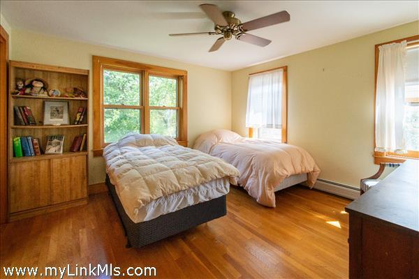 2nd Floor Bedroom (1)