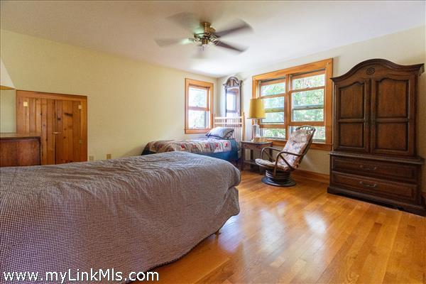 2nd Floor Bedroom (2)