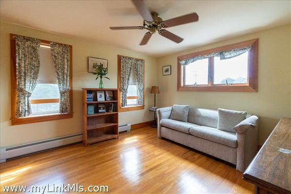2nd Floor Bedroom (3)