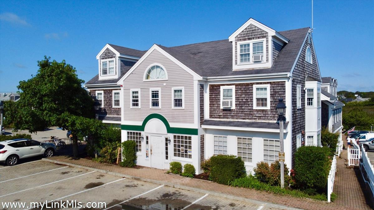 7A Bayberry Court
